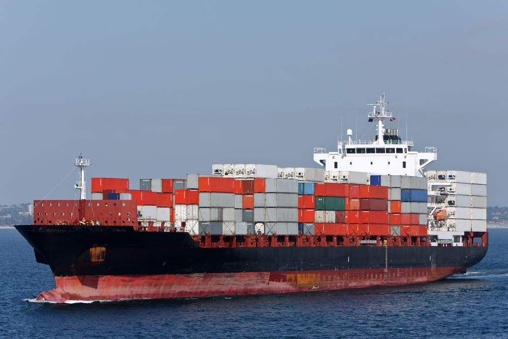Flowers & Power: Putting the brakes on container ship pollution